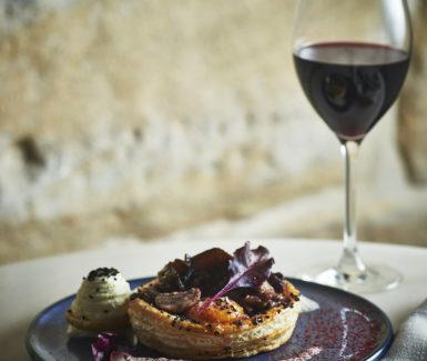 Tayim_Summer-Mushroom-Borekas-Goats-Cheese-Spinach-Hens-Yolk-Porcini-Bisque_1-385x325